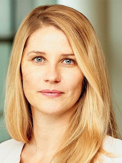 Dr. Salima Douven
